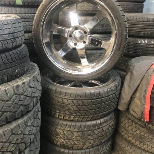 305/35R24 tires on 5x139.7 boss rims